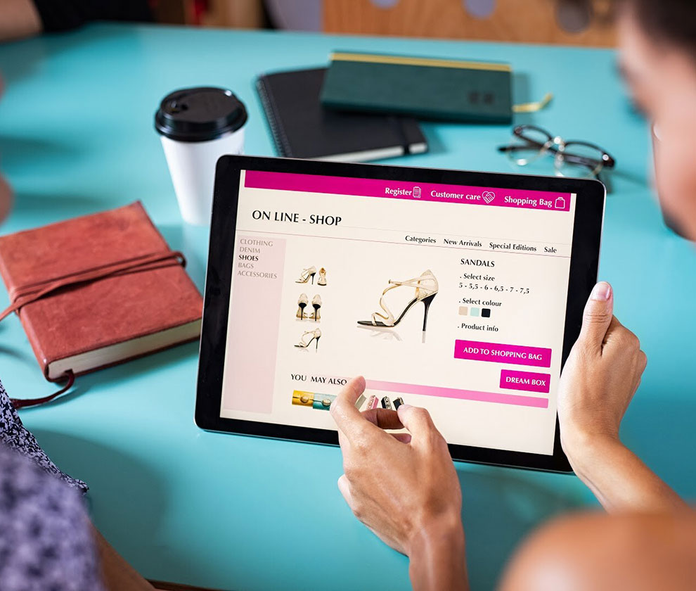 friends shopping shoes online 5PAKNV2 - Blog - Groove Technology – We build amazing software for your business 74